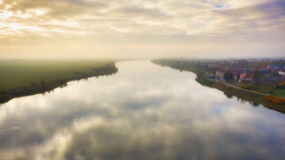 Ciekawe miejsca nad Wisłą. Co warto zobaczyć, płynąc królową polskich rzek