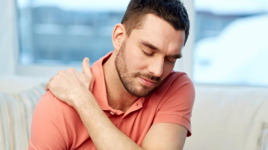 az ujj hajlításakor az ízület fáj a jobb oldali mutatóujj fáj