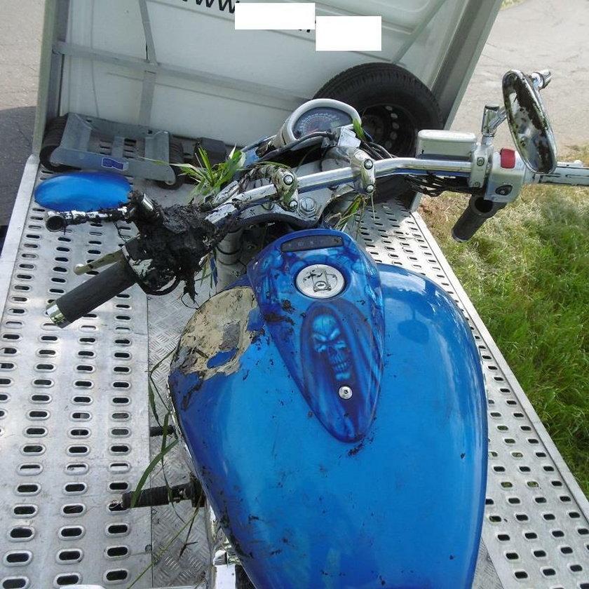 Wypadł z drogi na motorze. Szukali go 3 godziny