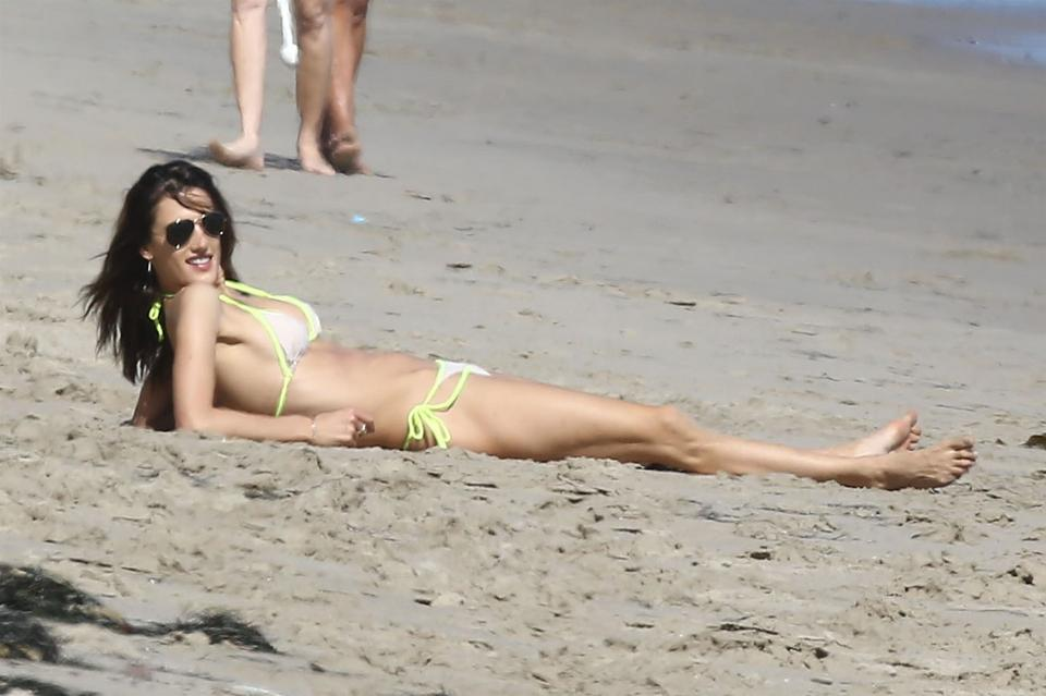 Alessandra Ambrosio w bikini