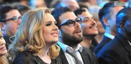 Adele i Simon Konecki wzięli ślub w tajemnicy? Fani wypatrzyli na jej palcu obrączkę