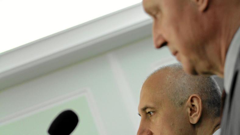 Adam Hofman, Joachim Brudziński i Wojciech Jasiński na konferencji prasowej