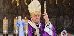 """""""Chrystus nie roznosi zarazków"""" - zaskakujące słowa biskupa"""