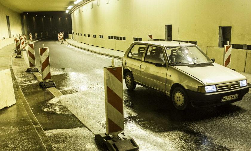 Tunel na lotnisko znów przecieka