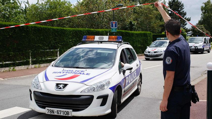 25-letni Larossi Abballa z zimną krwią zamordował 42-letniego szefa policji i jego 36-letnią partnerkę, również policjantk