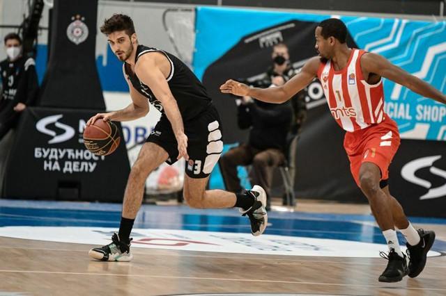 Detalj sa košarkaškog derbija Partizan - Crvena zvezda