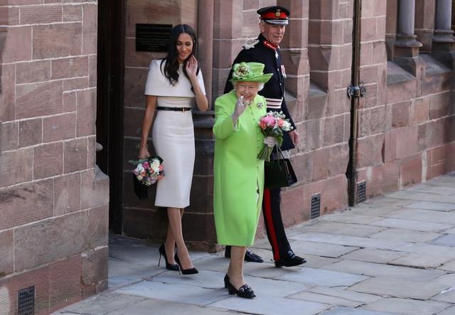 Kraljica i Megan Markl