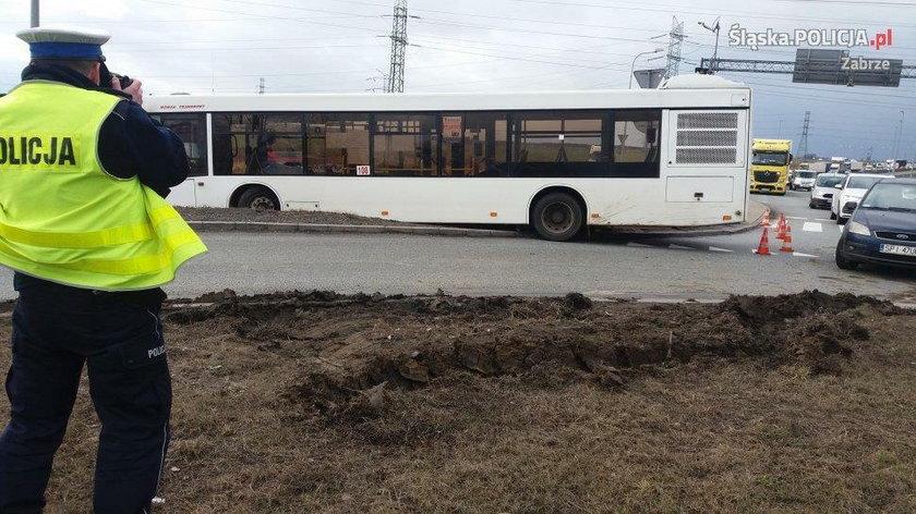 Kierowca autobusu stracił przytomność