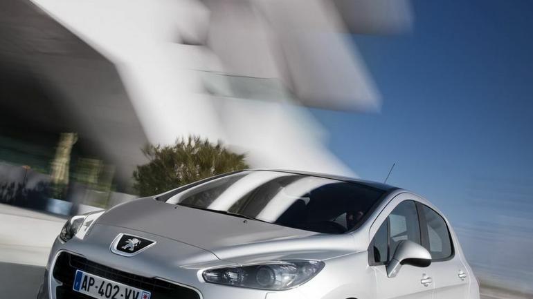 Odmłodzony Peugeot 308 od marca 2011 w sprzedaży