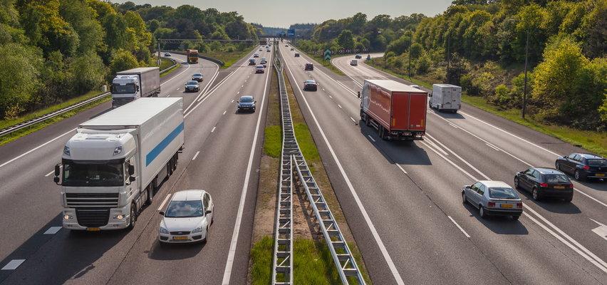 Korki na A1 i A2 pod Łodzią. Remont wiaduktu na skrzyżowaniu autostrad. Mamy plany objazdów