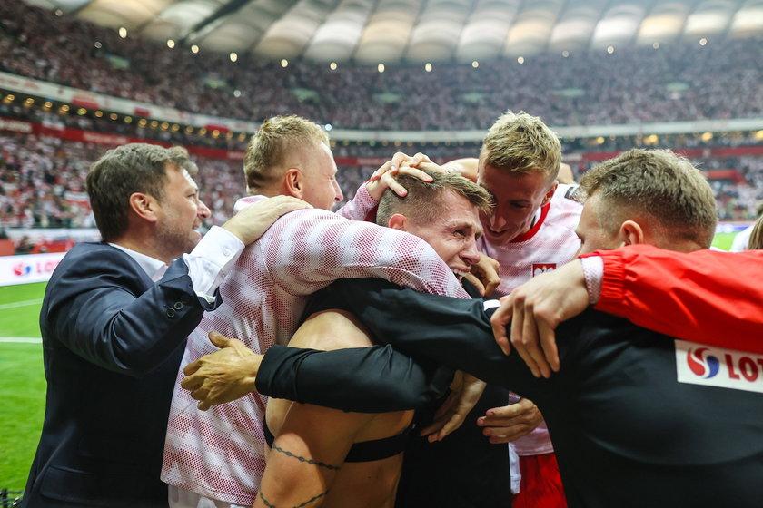 Po golu Damian Szymański (26 l.) utonął w ramionach kolegów.