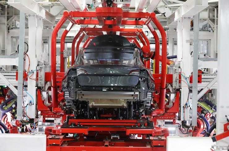 Tesla Fabrika