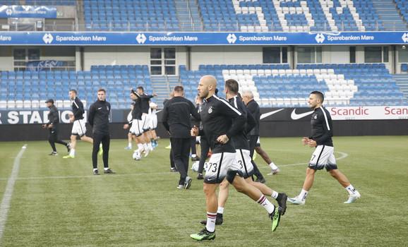 Partizanov trening pred Molde
