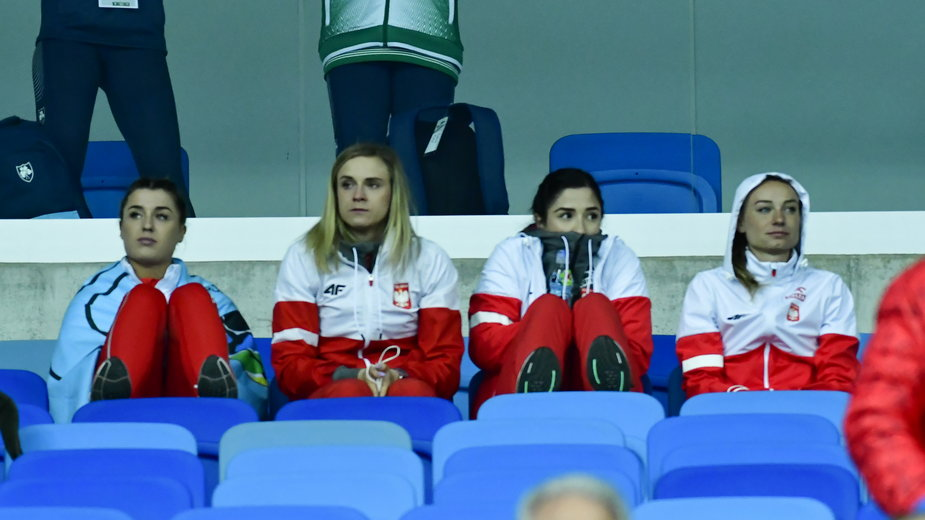 Ewa Swoboda (druga od prawej)