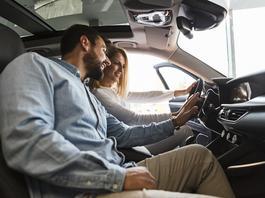 Kupujemy coraz droższe samochody. Które modele warto wybrać?