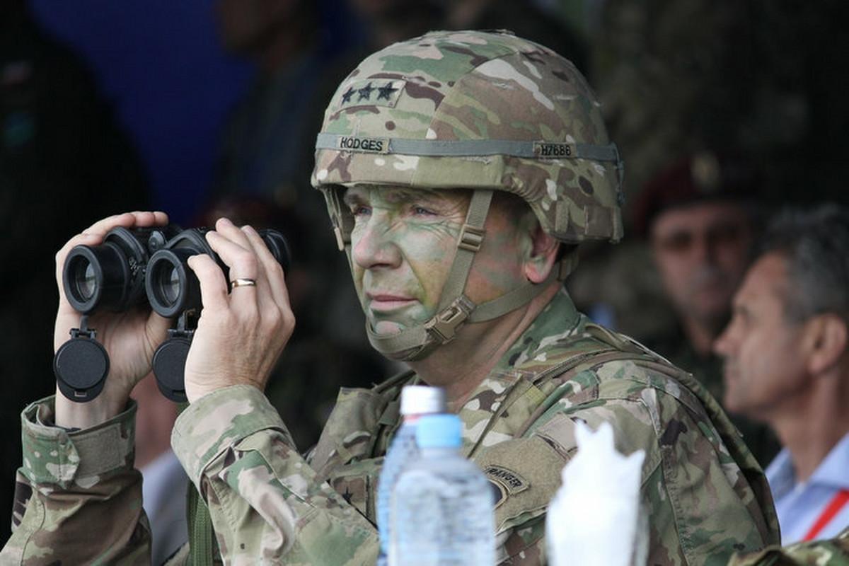 NOVI DEJTON, NOVI HOLBRUK Komandovao je američkom vojskom u Evropi, a sada ima PREDLOG ZA REŠENJE KOSOVSKOG ČVORA