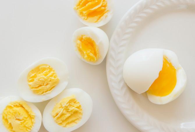 Kuvano jaje u proseku ima 70-80 kcal, a za njegovo varenje čovek potroši oko 110 kcal