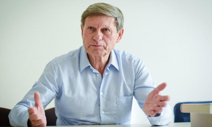 Prof. Leszek Balcerowicz w rozmowie z Faktem