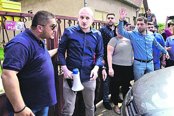 Žujovića su pristalice SRS napale već u Jarku