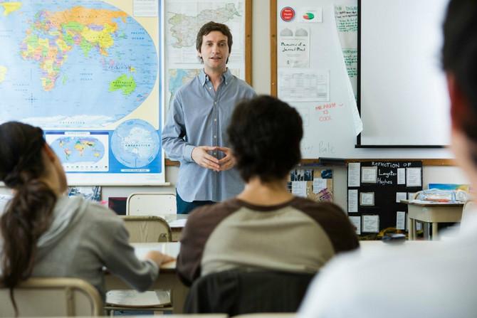 Nastavnici danas su obeshrabreni i ne smeju da udalje učenika sa časa zbog nediscipline i ometanja rada