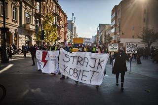 Strajk kobiet i rosnący gniew. Czy protesty mogą zatrzymać lockdown?
