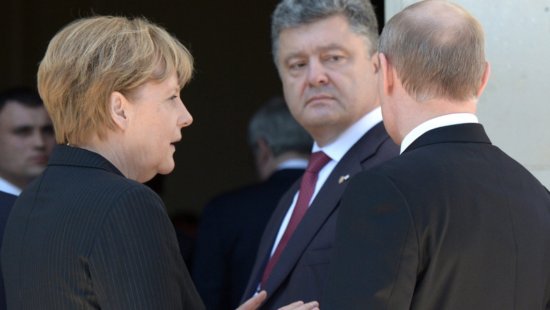 Angela Merkel, Petro Poroszenko i Władimir Putin