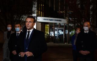 """Bestialskie zabójstwo nauczyciela we Francji. Francois Fillon: """"Profesor ze ściętą głową. Barbarzyństwo za rogiem'"""