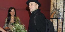 """Aktor """"Londyńczyków"""" z plecakiem na salonach"""