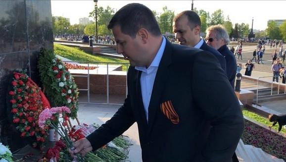 Predsednik Bokserskog saveza Srbije Nenad Borovčanin odao je počast stradalima u Drugom svetskom ratu