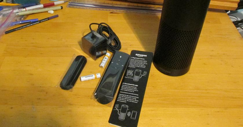 Inteligentny głośnik Amazon Echo z asystentem głosowym Alexa. Amazon odmówił policji ujawnienia danych, jakie nagrał egzemplarz należący do osoby oskarżonej o morderstwo