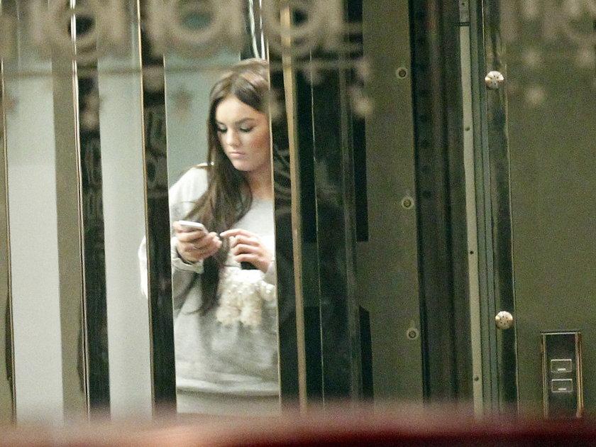 Ewa Farna w hotelu w Zabrzu
