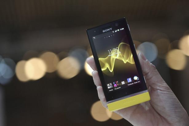 Najlepszym smartfon w stosunku cena/jakość został wybrany Sony Xperia U. Na kolejnych miejscach znalazły się: 2. Huawei Ascend G300 3. HTC One V 4. Nokia Lumia 710 5. Orange San Diego ZTE Tania