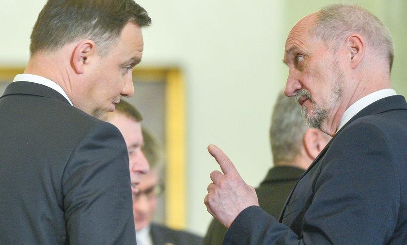 Prezydent i szef MON