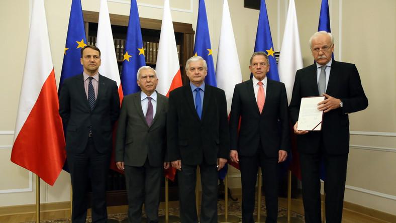 Byli szefowie MSZ popierają Bronisława Komorowskiego