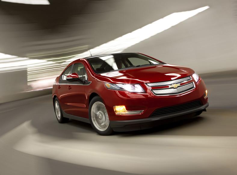 Chevrolet Volt, samochód elektryczny o zwiększonym zasięgu, tym razem nie będzie tkwił jako eksponat. Auto będzie dostępne podczas krótkich jazd testowych