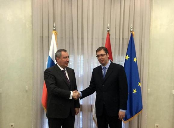 Vučić: Hvala Rusiji što poštuje našu vojnu neutralnost