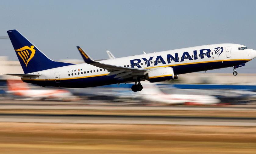 Ryanaie rezygnuje z opcji darmowej zmiany terminu i trasy lotu.