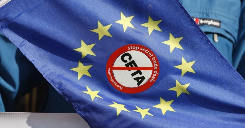 """""""FT"""": Polska ma uwagi do umowy handlowej UE z Kanadą"""