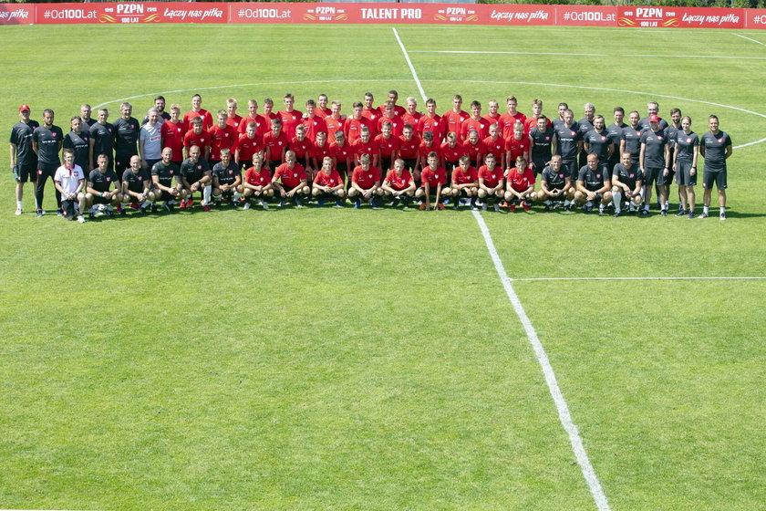 Biało-czerwoni będą przygotowywać się w Polsce.