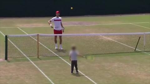 Novak trenirao sa Stefanom, a evo šta je radila Jelena za to vreme! VIDEO