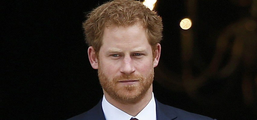 Dlaczego książęHarry zaczął zdradzać rodzinne sekrety? Chciał zarobić na skandalu?