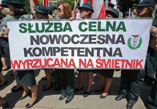 Celnicy protestowali przeciw włączeniu ich służby do Krajowej Administracji Skarbowej