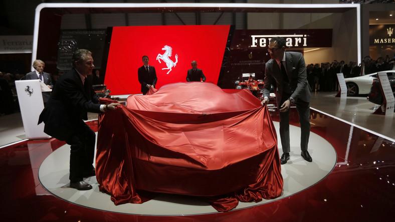 """W Genewie włoska stajnia ujawniała model o nazwie LaFerrari. Skąd pomysł na takie imię? """"Zdecydowaliśmy się nazwać ten model LaFerrari, ponieważ jest uosobieniem doskonałości"""" - umówi Luca di Montezemolo, szef włoskiej marki."""