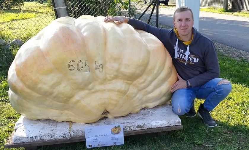 Dynia pana Adama waży ponad pół tony!