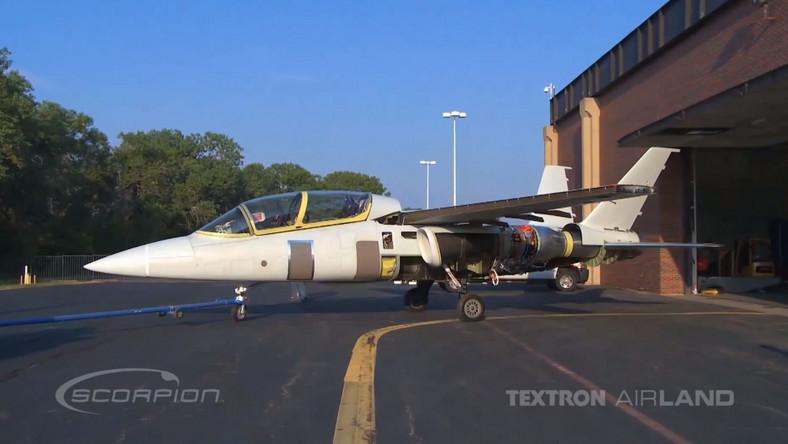 Demonstrator dwusilnikowego samolotu uderzeniowego Scorpion zaprezentowały dwa amerykańskie koncerny: Textron oraz AirLand Enterprises
