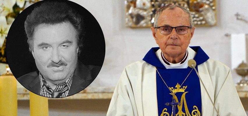 """Wzruszające słowa biskupa przed mszą za pamięć Krawczyka. """"Mówiłem, by Ewa nie chodziła w czarnym kolorze"""""""