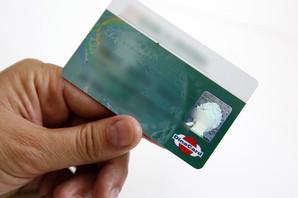 DINA POSTAJE OBAVEZNA Od danas svako ko otvori račun dobiće i domaću karticu