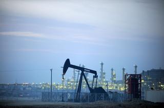 Ropa w USA wyceniana najwyżej w tym roku. 60 dolarów za baryłkę coraz bliżej