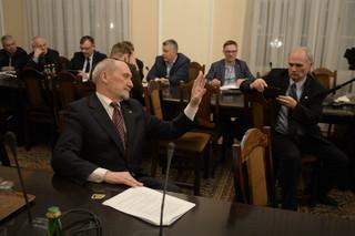 Sejm: Komisja za przyjęciem projektu ustawy degradacyjnej