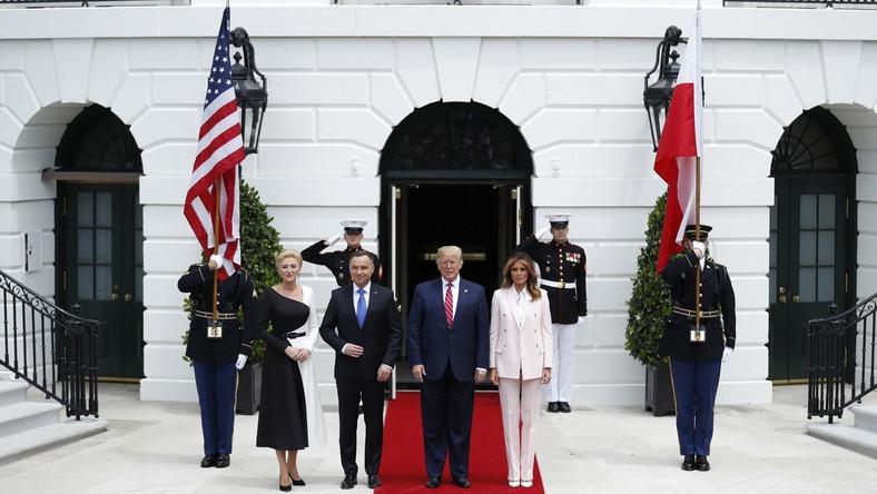 Po ceremonii oficjalnego powitania w Gabinecie Owalnym odbyły się rozmowy par prezydenckich, po których do rozmów, pod przewodnictwem Andrzeja Dudy i Donalda Trumpa, przystąpiły delegacje obu krajów.